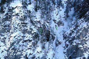 Auf diesem Felsvorsprung musste Jagdhund Ares in eisiger Kälte ausharren. Foto: Bergrettung Villach
