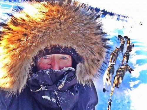 Gemeinsam mit den Huskies trotzte Alex Serdjukov der Kälte im Yukon Foto: © Royal Canin/Serdjukov