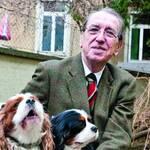 Gerd Weiss, Ehrenmitglied des ÖKV (Österreichischer Kynologenverband), gilt als erfahrener Experte in Sachen Hunderassen und ihrer Eigenschaften.